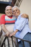 senioren vermaken zich foto