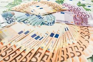 papiergeld euro. achtergrond van bankbiljetten foto