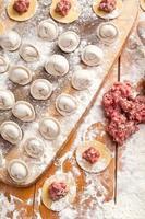 knoedels. kookproces. foto