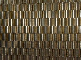 blikken van een dunne metalen plaat foto