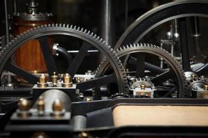 industrie tandwielmachine tandwiel, samenwerking tussen bedrijven, teamwerk en tijd concept foto