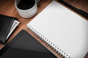 tablet pc en notitieblok foto
