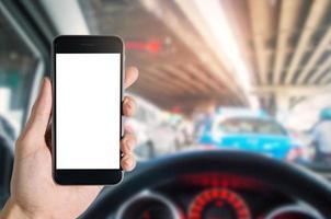 mobiele telefoon in de auto foto
