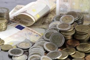 eurobankbiljetten en -munten foto