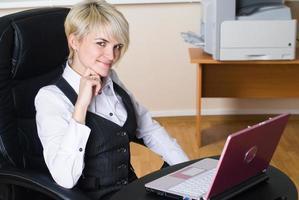 jonge zakenvrouw foto