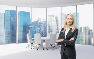 zakenvrouw in kantoor foto