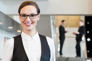 zakenvrouw in kantoor