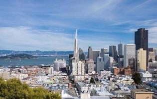 San Francisco skyline overdag (groothoek) foto