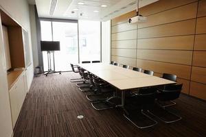 business boardroom zonder mensen foto