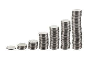 staafdiagram als stapels zilveren munten. foto