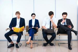 concept voor jong modern commercieel team foto