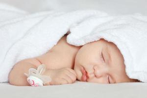 slapende baby foto