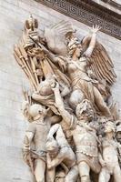 sculptuur decoratie van triomfboog in Parijs foto