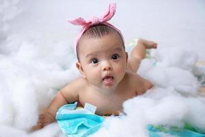 baby in de studio foto