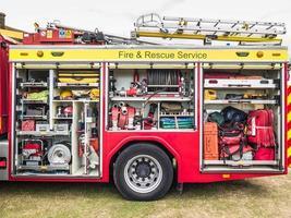 in de brandweerwagen, brandweerwagen foto