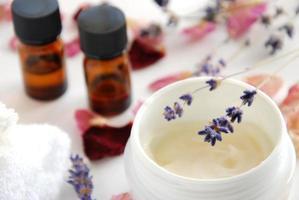 natuurlijke schoonheidscosmetica met kruiden foto
