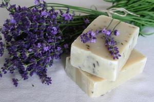 zeep met lavendel foto