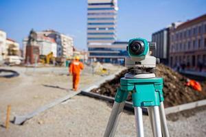 landmeetkundige apparatuur voor infrastructuurbouwproject foto