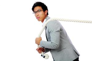 portret van een man touw trekken foto