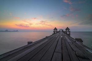 overzeese van Thailand oude brug foto