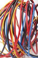 veelkleurige computerkabel foto