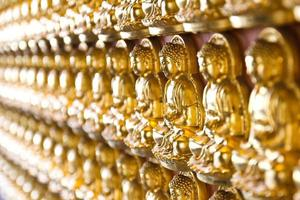 tienduizend gouden boeddha's foto