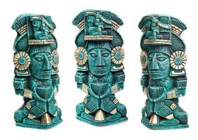 Maya godheid standbeeld uit Mexico geïsoleerd