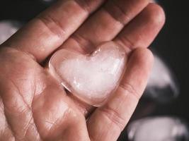 ijs hart in een hand foto