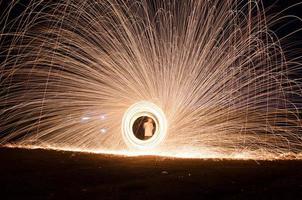 brandend staalwol vuurwerk foto