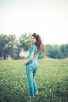 mooie jonge hipster vrouw foto