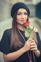 jonge mooie brunette vrouw meisje foto