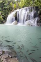 erawan waterval in kanchanaburi foto