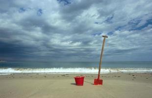 speelgoed op het strand foto