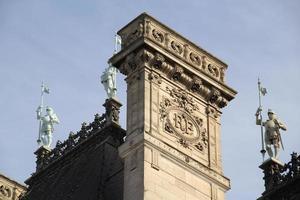 dak van het stadhuis van Parijs, Frankrijk.