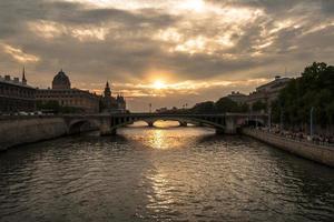 pont notre-dame in Parijs foto
