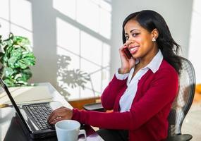 mooie Afro-Amerikaanse zakenvrouw foto