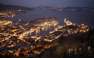 nacht bergen, Noorwegen foto