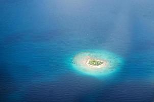 onbewoond eiland in de Stille Oceaan foto