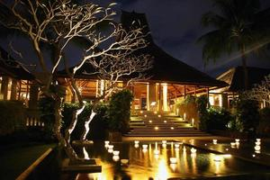 Aziatisch huis nightshot foto