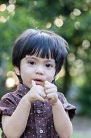 Aziatische schattige kleine jongen foto