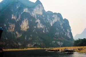 de berg van negen paarden in Guilin, Guangxi China foto