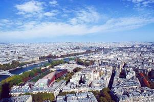 de skyline van Parijs vanaf de Eiffeltoren foto