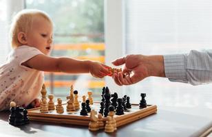 jongere versus oudere schakers foto