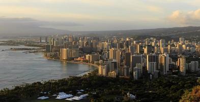 Honolulu van Diamond Head bij zonsondergang foto