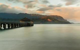 zonsopgang boven Hanalei Bay Kauai Hawaii foto