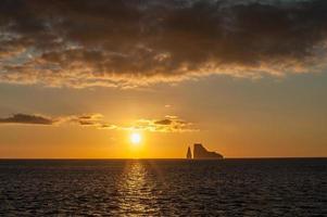 zonsondergang op de galapagos eilanden, ecuador foto