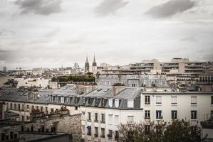 daken in Parijs in de herfst foto