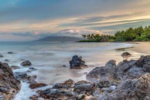 zonsopgang op geheim strand foto