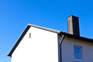 generieke gezinswoning in een buitenwijk foto