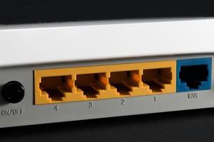 Ethernet-poort aan de achterkant van de router foto